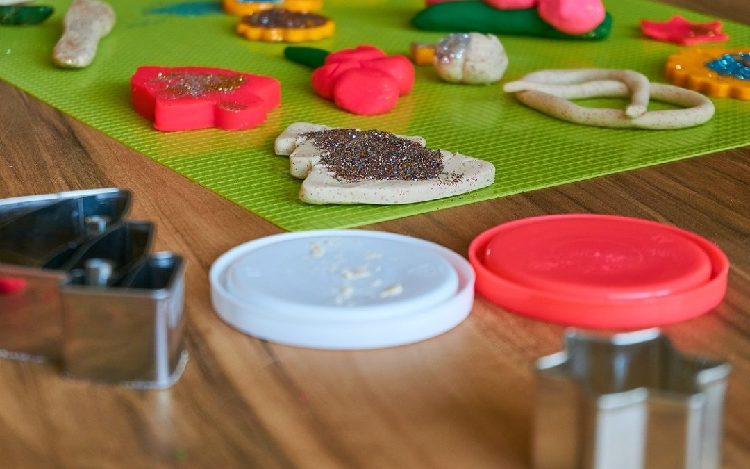Cómo fabricar plastilina en casa